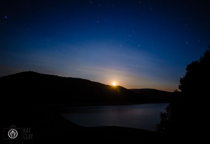upper yarra reservoir park at night