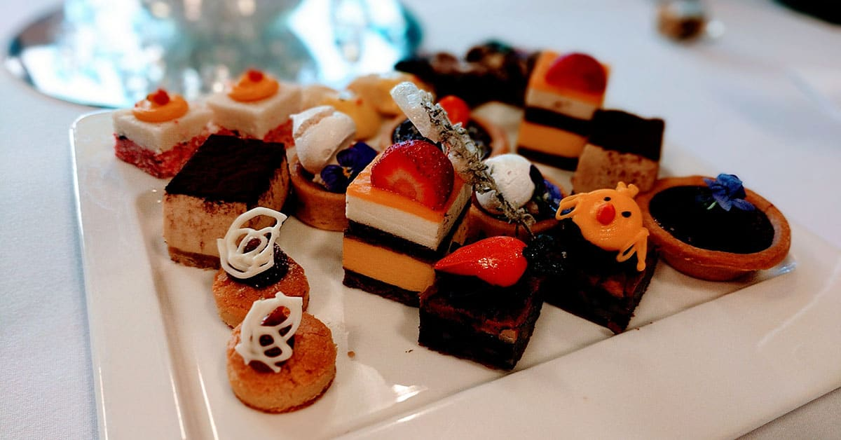 Mini-cakes at the Aurealis Awards